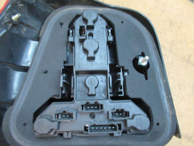 Rückleuchte Rücklicht rechts VW GOLF IV (1J1) 1.6