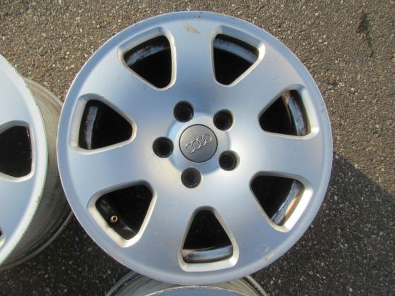 Aluminiumfelge 7JX15 H2 ET39 LK5X01Satz(je4Stück)